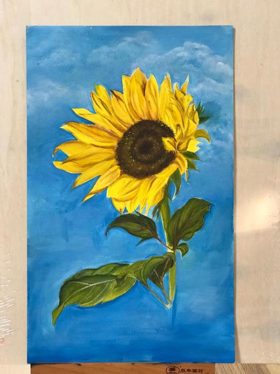 由幾位本地藝術家創辦。 我們設有水彩、塑膠彩、素描、油畫班和電腦繪畫等。