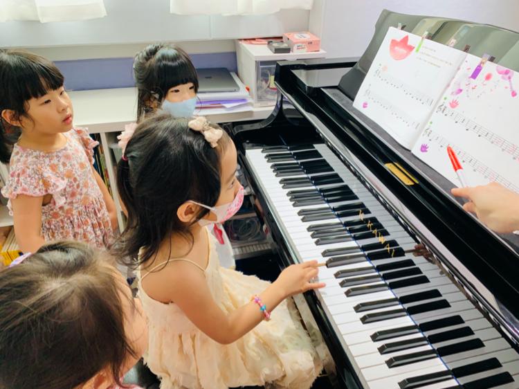 獨家!團體班個別演奏平台大三角琴