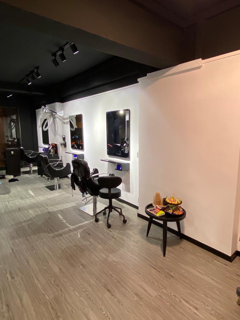 N.D.U. Salon