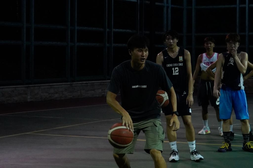 青年班教練