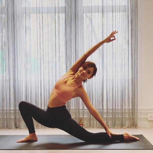瑜伽導師| Nicole