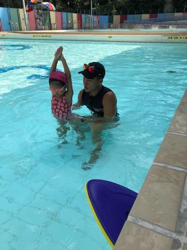 主要在九龍區授教游泳為主