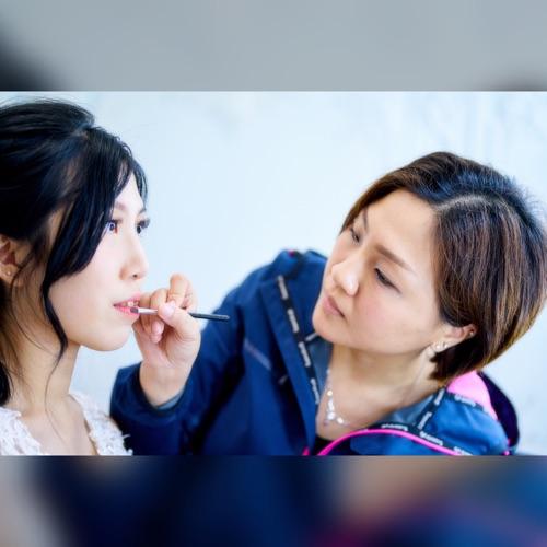 提供化妝及頭髮造型服務