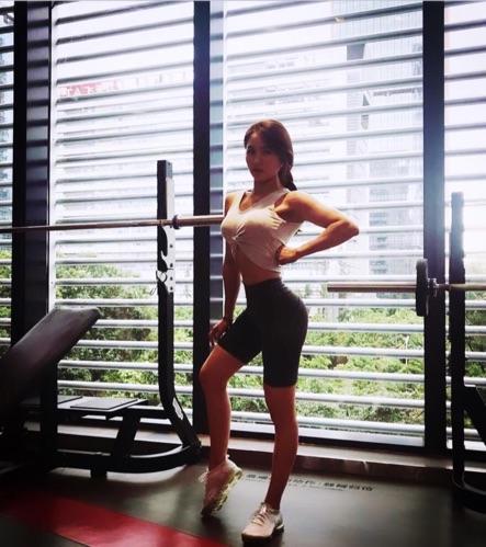 女性求實健身教練