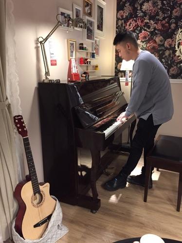 斯九善-音樂製作人、鋼琴老師