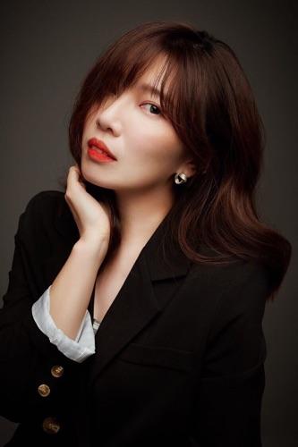 Zooey Yang Makeup stylist