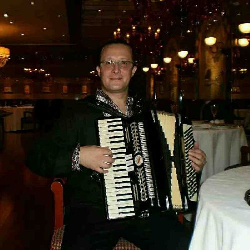 Dan accordion & Piano player
