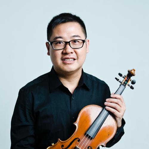 本人自幼開始學習小提琴,...