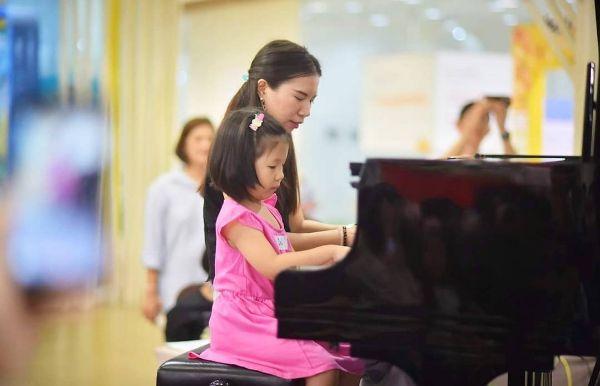 鄭藝婷 Piano Instructor