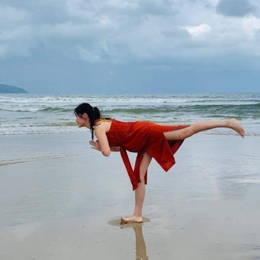瑜伽治療師|Vicky Lee