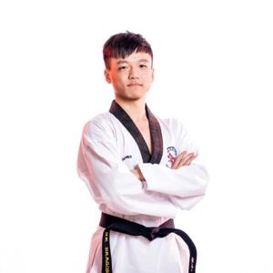 香港浸會大學碩士   主修運動及休閒管理 Chow Tsz Hei